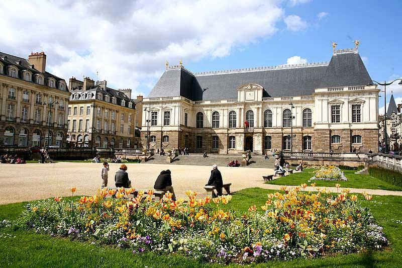 Danh sách các trường đại học kinh tế ở Pháp