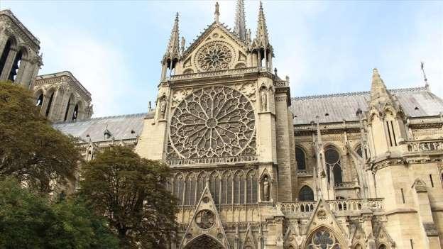 Nhà thờ Đức Bà Paris là công trình với tuổi thị tới 850 tuổi