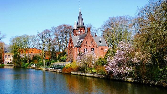 Nước Bỉ với hệ thống giáo dục có nhiều điểm tương đồng với Pháp được nhiều sinh viên lựa chọn theo học